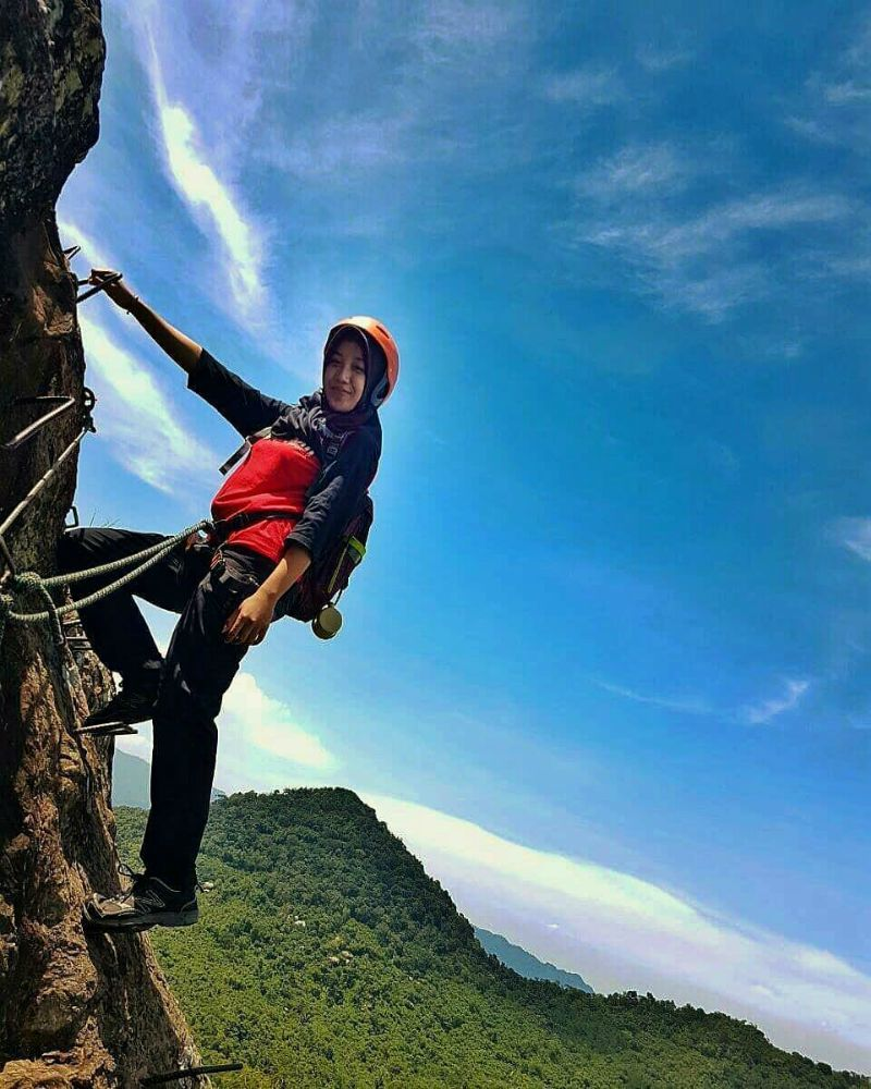 Melakukan Pendakian dengan Santai