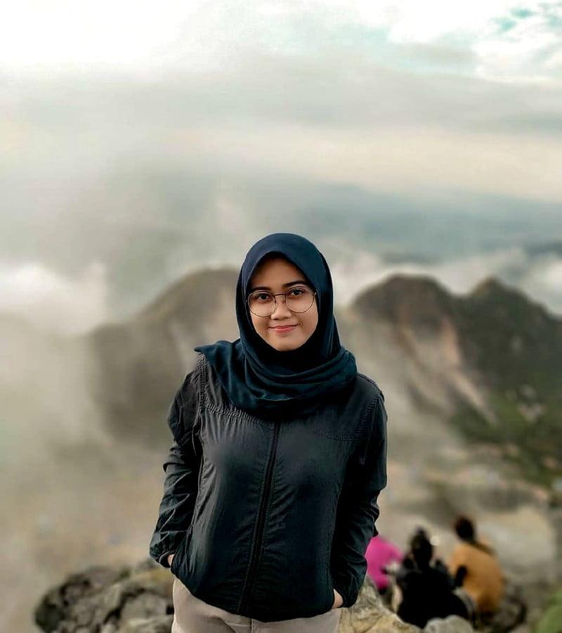 Daftar Style Pakaian untuk Pendaki Wanita Berhijab Saat Mendaki