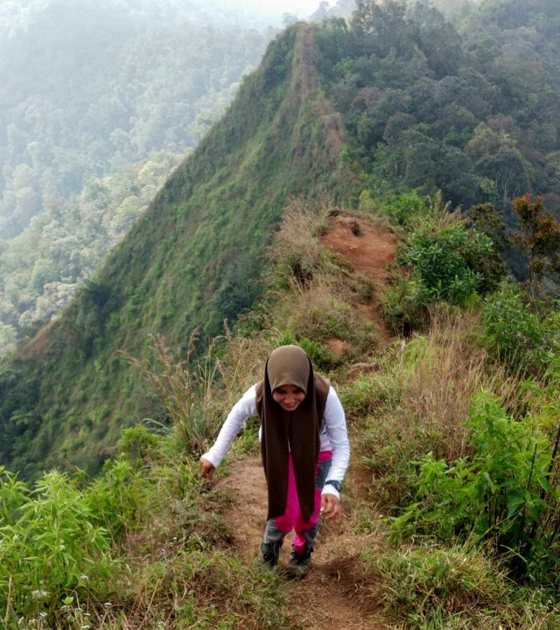 Mengenal Gunung Kerenceng yang Masih Alami dan Sepi Pendaki