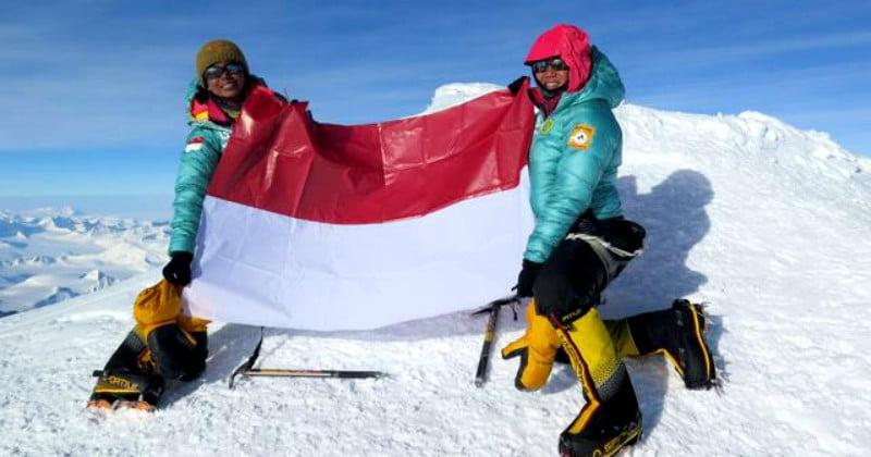 Pemerintah Nepal Membuka Jalur Pendakian Gunung Everest