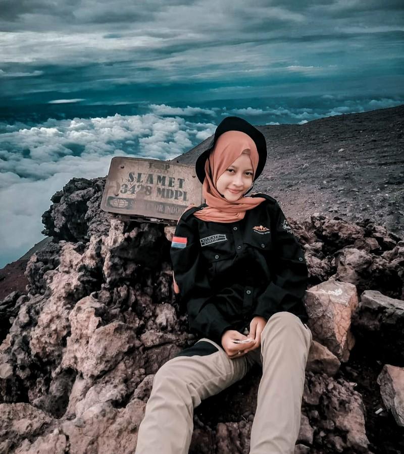 Tips Mendaki Gunung pada Musim Kemarau